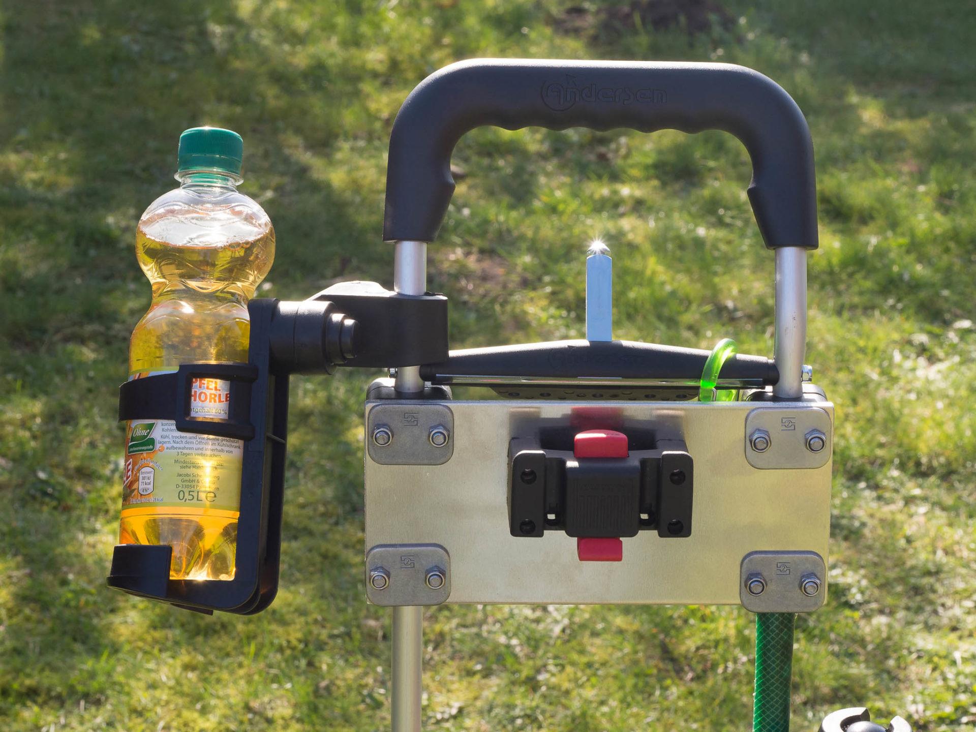 Detail Getränkehalter und KlickFix-Halterung